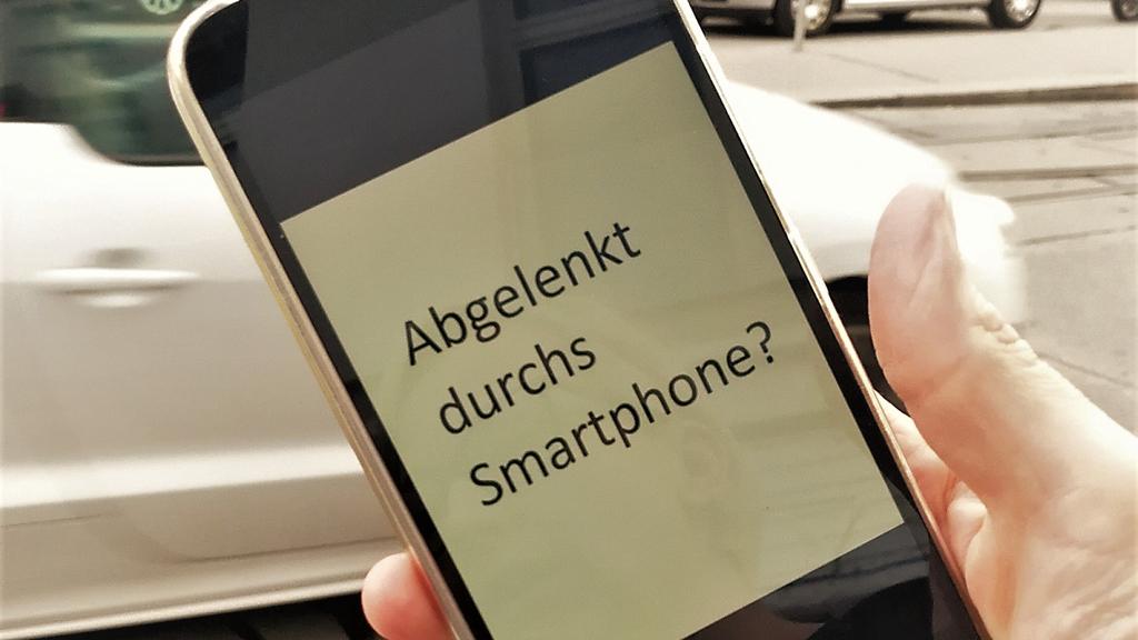 BANNER_Abgelenkt-durchs-Smartphone-_FPT11